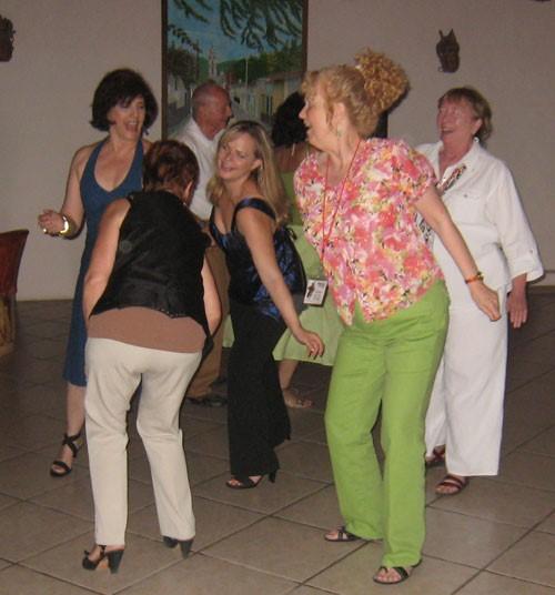 8Reasons6 dancing