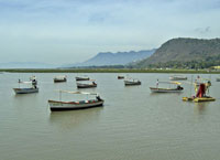 boats-in-lake-chapala