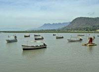 boats-in-lake-chapala